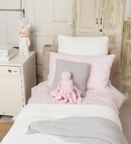 kuscheldecken kissen kinderzimmer kids 1. Black Bedroom Furniture Sets. Home Design Ideas