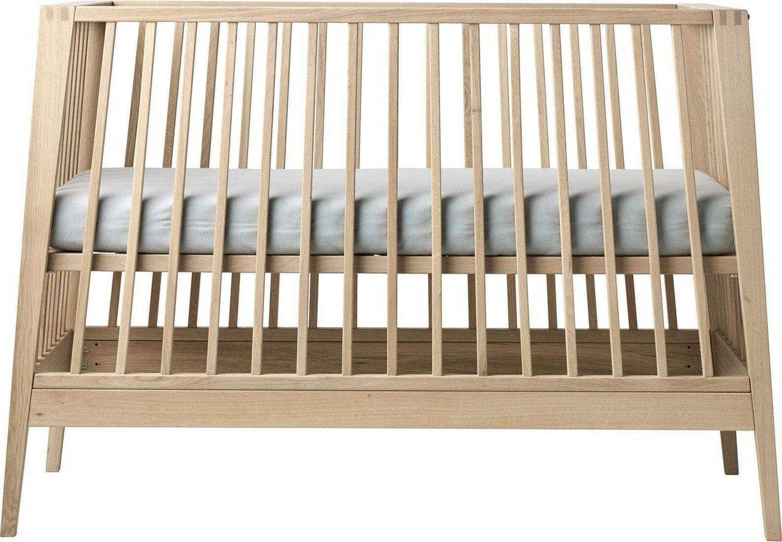 babybett leander linea kleine fabriek. Black Bedroom Furniture Sets. Home Design Ideas
