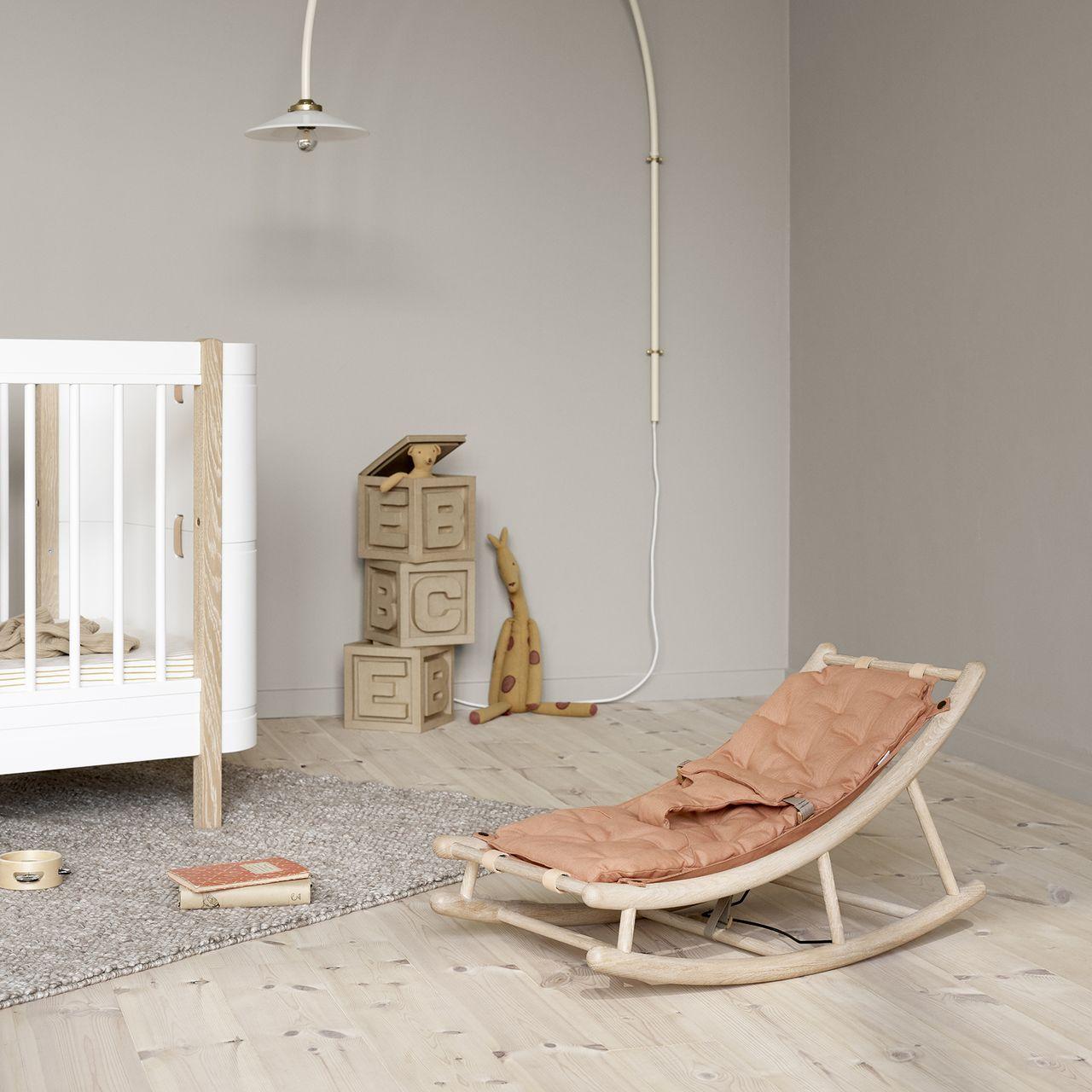 Oliver Furniture Babywippe Wood in Berlin kaufen - Kleine Fabriek